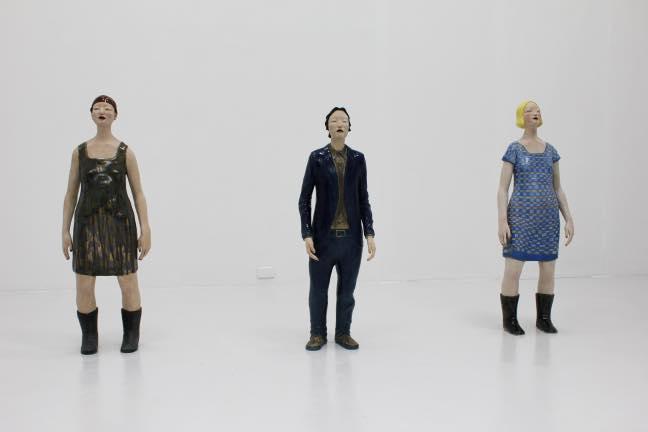 藤原彩人 (左)立像-森が降る女-(中)立像-深さを探す男- (右)立像-街を着る女- 2011.