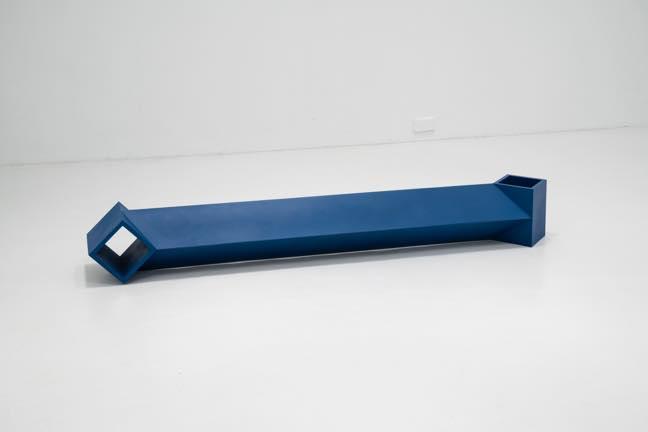 SQ 2021 アクリル樹脂 h23.5xw182xd23.5cm