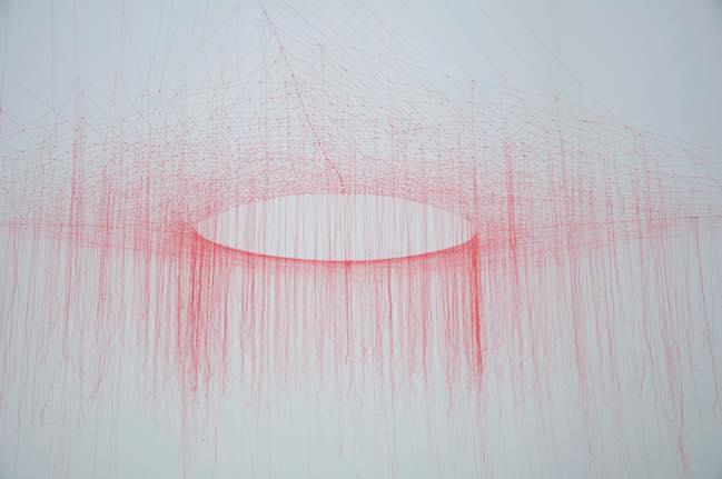 otted Thread -Red- h120cm_2009_silk thread
