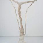 「深い霧そして遠い滝」2010 樟・アクリル絵具 h280×w180×d60cm