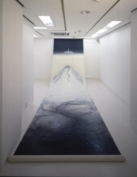 真空ー私は大いなる「テン」とか内になる「カミ」との出会いを『心』につぶやきビ・ジュ・ツへと向き合った。 1998 キャンバスに(油性)ウレタン塗料 h730×w170cm