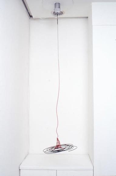 D渦まく 2000 針金、モーター、塗料 h158×φ28cm