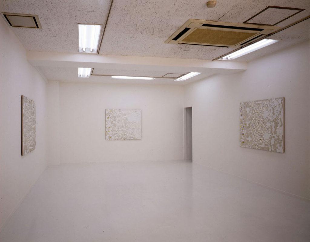 「習慣ー日射の中で 報告」(2009)展示風景