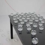 「よっつめの挿話」2015 水、ラテックス、ガラス、テーブ サイズ可変