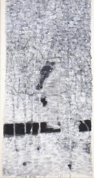 窓を出ている風景Ⅳ 2001 墨、コンテ、胡粉、韓紙 h149×w80cm